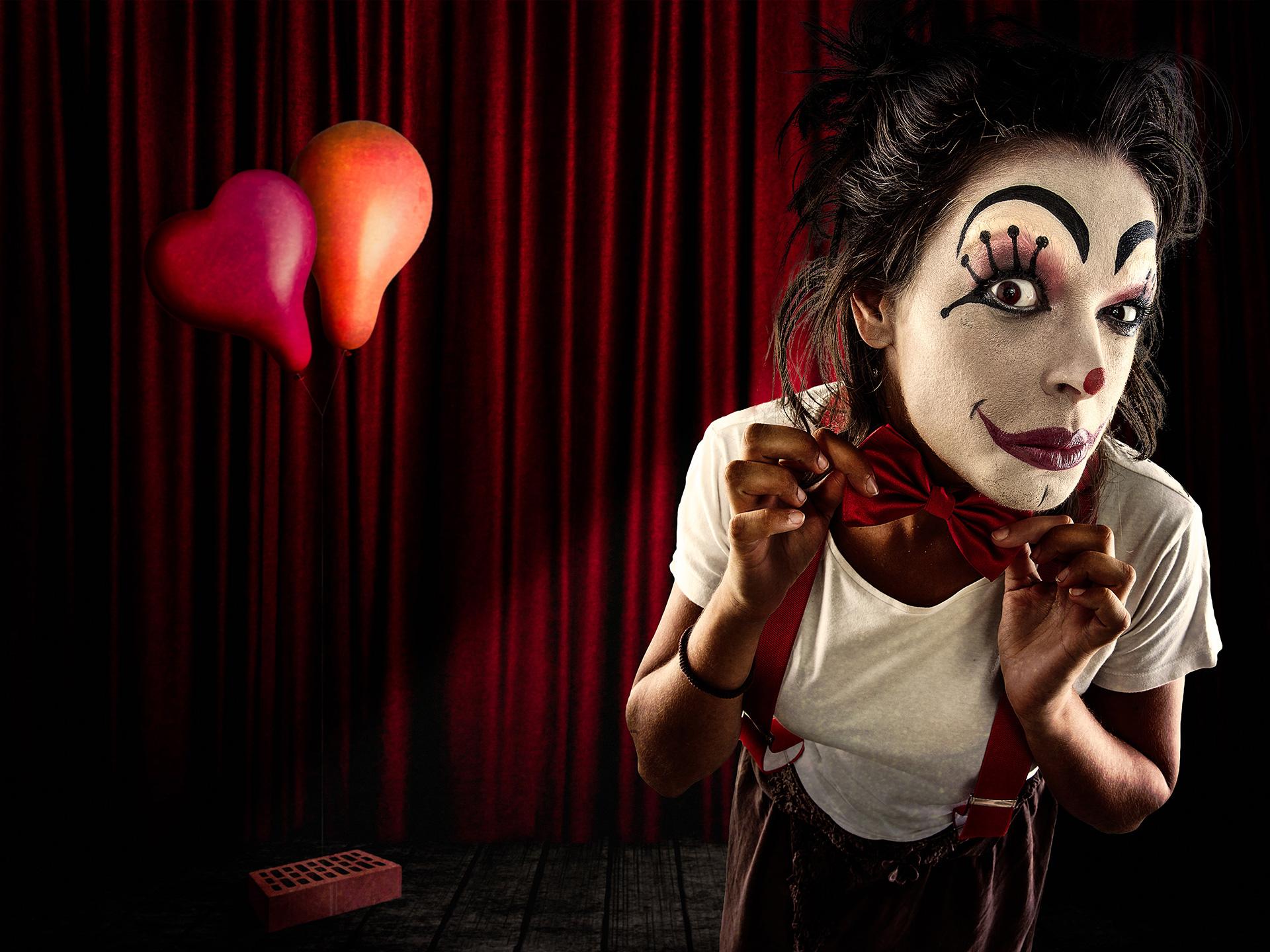 Creepy Cloun Stage, Theatre, red curtain, orange baloon