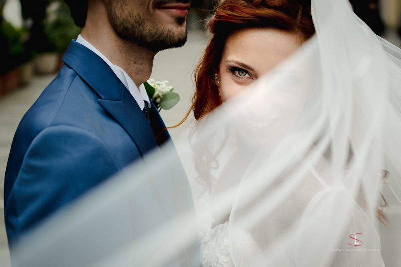 Smiling face, green eye, bridal veil, wedding day