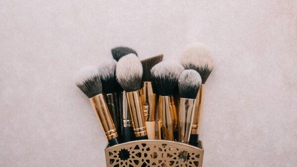Igiene e detersione dei pennelli trucco come pulire i pennelli trucco